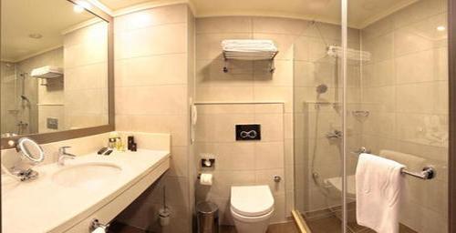 merter-gunluk-kiralik-residence-banyo